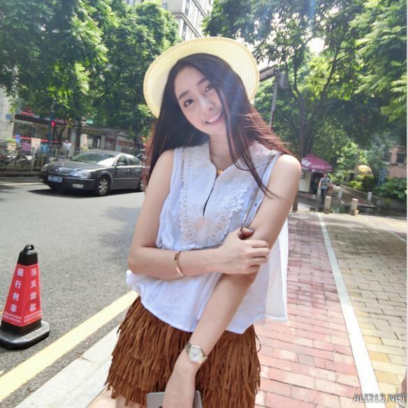 明星八卦 正文    她叫王鹤润,来自中国传媒大学,摄影师对她的评价是