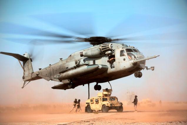 资料图:美国海军陆战队的ch-53e直升机