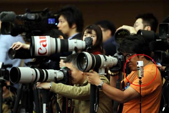 新闻相机恶搞素材