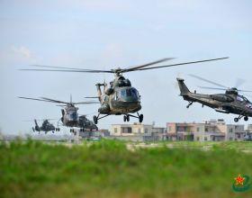 解放军陆航直升机最全的一次集体合影