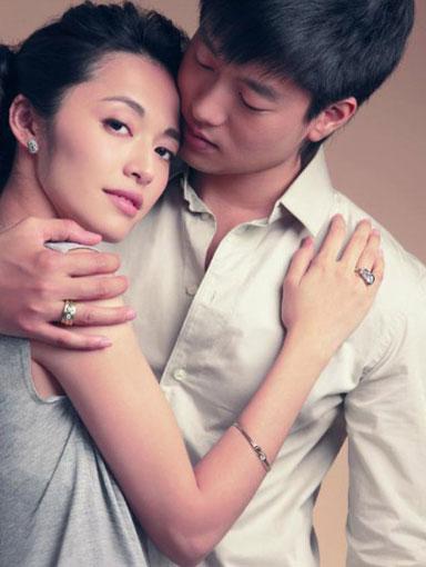 凌潇肃个人资料_姚晨疑首次回应与凌潇肃离婚:究竟是谁一忍再忍?