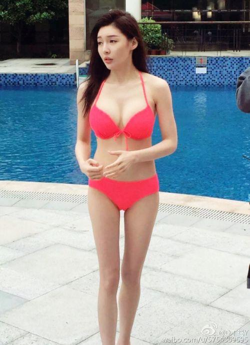 斗鱼tv丁瑶PK熊猫tv伊素婉私房照 斗鱼张琪格游里约胸器难掩