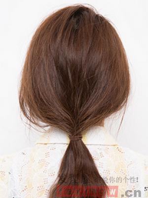 头发长不想剪怎么办 长发变短发速学方法图解