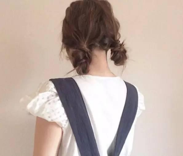 剪什么样的发型显年轻:空气刘海图片