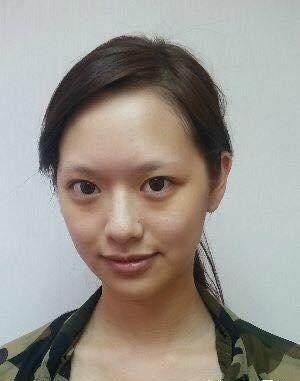 经在社交网酪上删除自己跟医生男友的合照.   刘颖镟:   刘颖镟只有