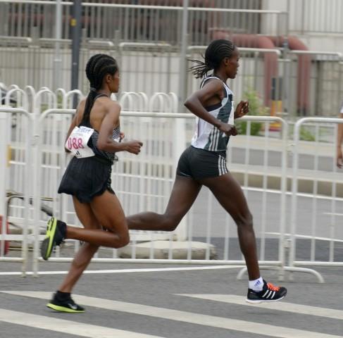 实拍2016北京马拉松赛
