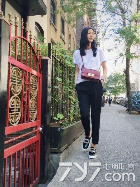 大表姐刘雯2016最新街拍 大长腿撩男指数max 6图片