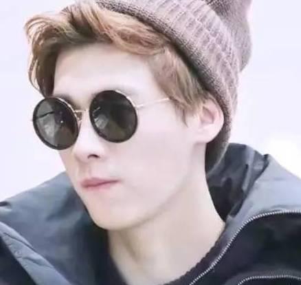qq头像鹿晗帅气戴帽子眼镜