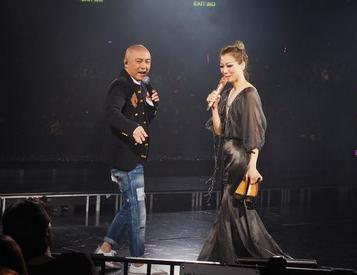 人缘超级好!郑秀文演唱会 半个香港娱乐圈的明星都来给她撑场