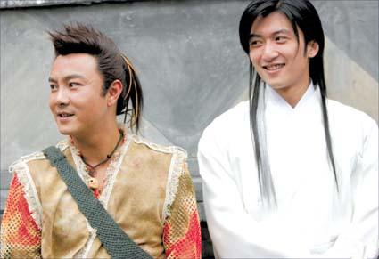 在2004年电视剧《小鱼儿与花无缺》王伯昭饰演里面的江别鹤.