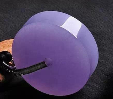 世界上罕见极品紫罗兰翡翠最小的也要上百万 美爆了!