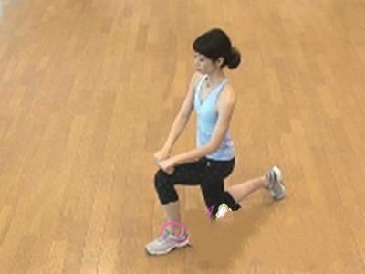 减肥瑜伽瘦腿瘦手臂初级教程 减肥瑜伽动作图片教程(2