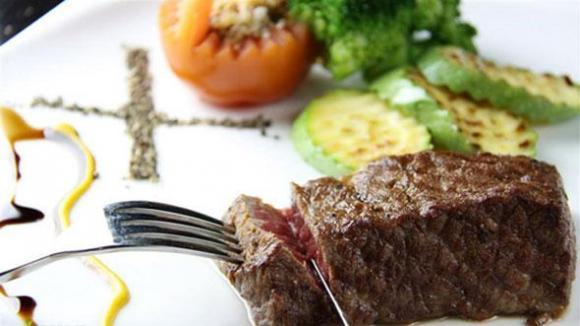 西餐牛排正确吃法与切法(2)