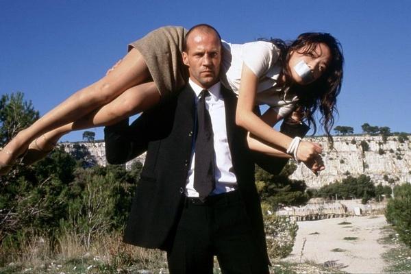 电影 >> 正文       新浪娱乐讯 近日,由杰森斯坦森主演的《机械师2》