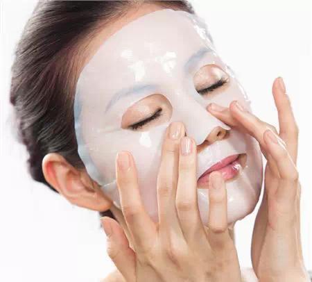 因为在敷面膜的过程中皮肤已经把该吸收的养分吸收走