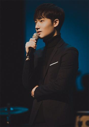 《中国新歌声》冠军蒋敦豪人气暴涨 透露11月首支单曲