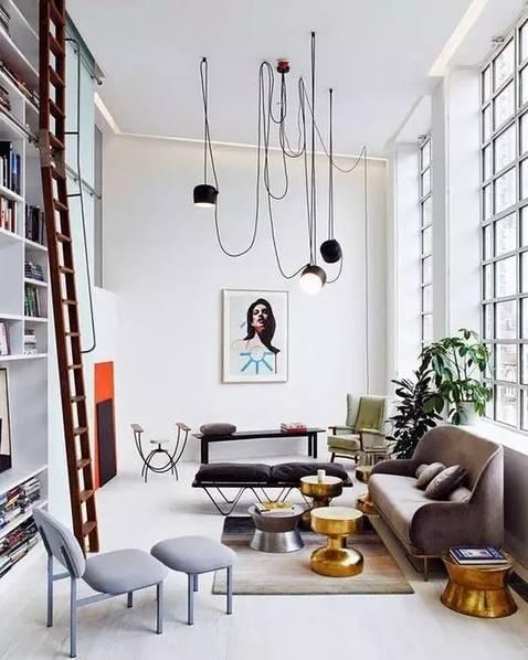 装饰画没有电视墙的客厅意味着释放了一整堵墙面