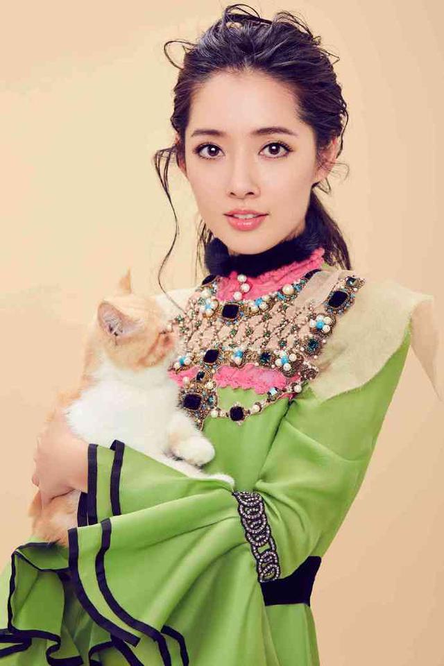 热爱小动物的郭碧婷