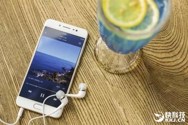 为了您的健康 用手机耳机听歌这七点要注意