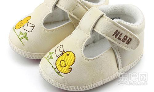 手工做宝宝学步鞋图样_宝宝学步鞋怎么选