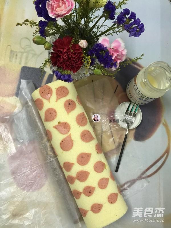 彩绘爱心蛋糕卷的做法 爱心蛋糕卷需要材料与技巧 6