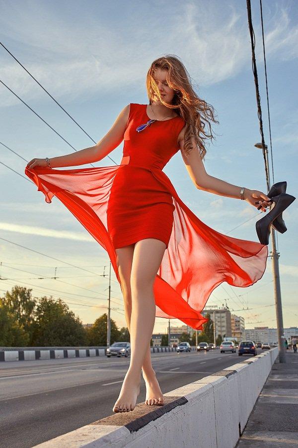酒红色雪纺衬衫_红色衣服美女图片-红色衣服美女头像大全-红色唯美图片-红色 ...