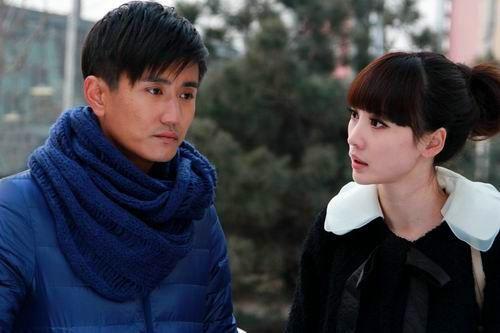 跟现在有些出入,眼睛和眉毛还是很相似的   叶静,中国内地男演员,毕业图片
