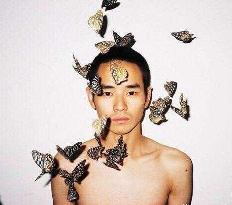 摄影师任航跳楼自杀 生前很多作品与性有关 - 芮清之家 - 芮清仁斋