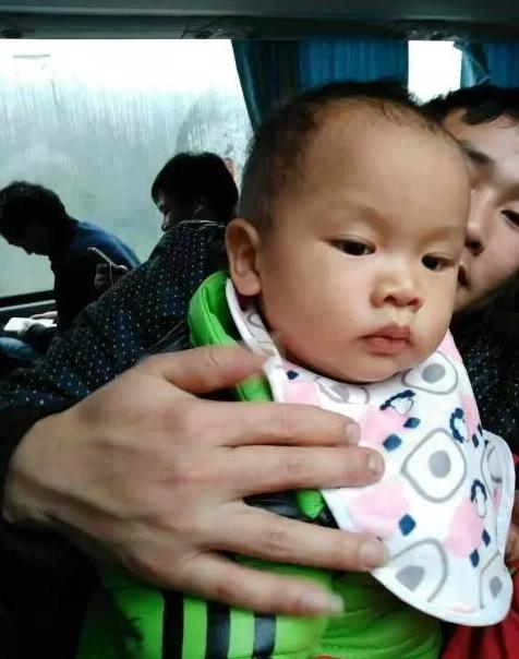 晋江1岁男童家门口失踪24小时 家人担心被人抱走