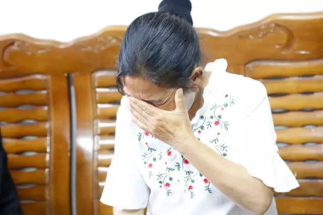 小伙被拐22年后 终于在晋江与亲生父母相认