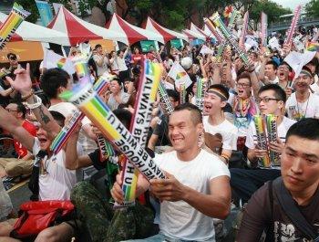 """台媒:""""大法官""""帮同性婚姻解套 蔡当局陷入两难"""