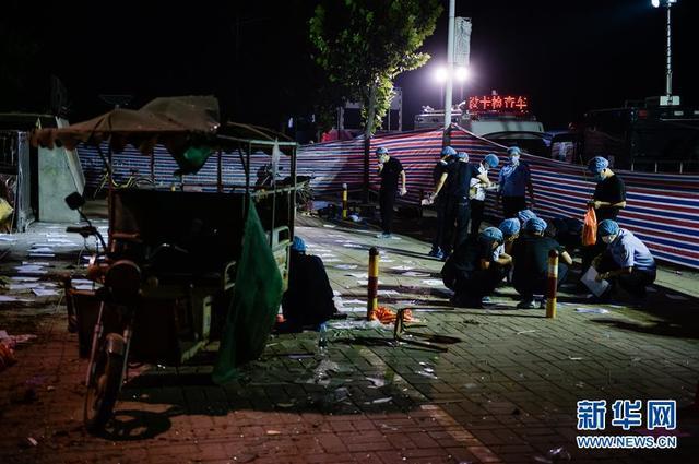 江苏幼儿园爆炸现场:法医连夜鉴定清理