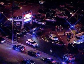 美国佛州枪击案现场 1名警察被枪杀