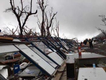 飓风重创多米尼克 第二批300余名华人将撤离