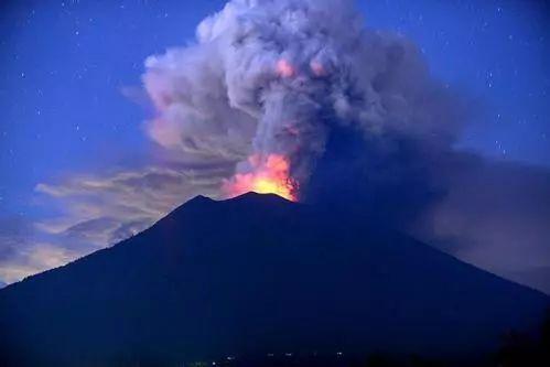 印尼巴厘岛阿贡火山喷发-大陆把台胞当 自己人 蔡当局还只靠一张嘴