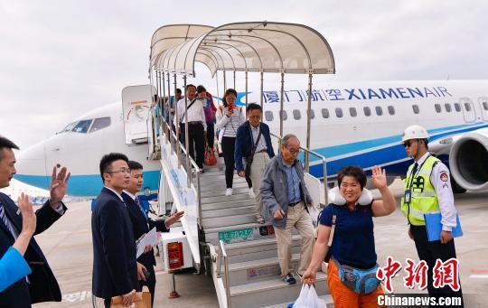 大陆包机接巴厘岛滞留游客