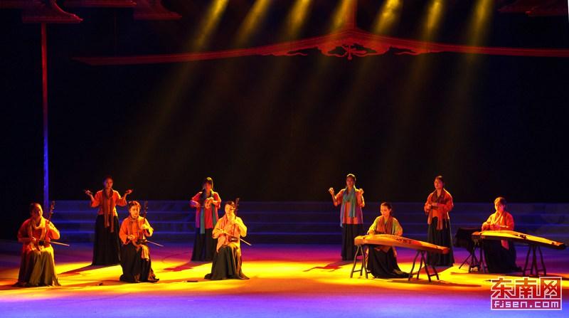 泉州师院表演奚琴与古筝合奏《阳关三叠》