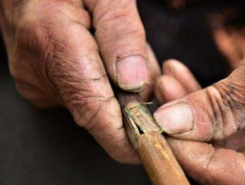 探访广西苗寨芦笙匠人 造型音色全在心里