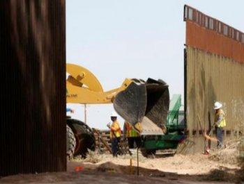 美国墨西哥边境墙开建