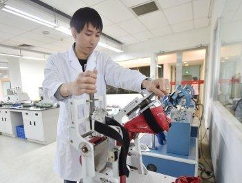 晋江:科技提升国产鞋服影响力