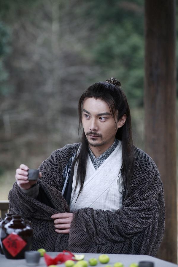 《新笑傲江湖》热播 金楷杰饰演向问天侠义上线【清华百年】