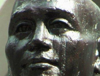 """蒋介石哭了!台大学""""铜像公投""""结果出炉"""