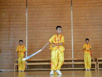 新加坡小学生来泉交流