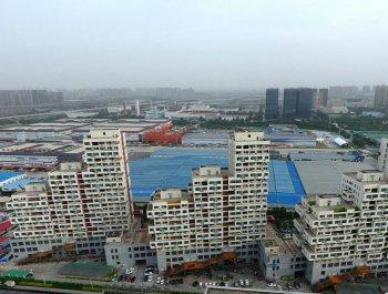 """郑州现奇特建筑群 外观酷似""""俄罗斯方块"""""""
