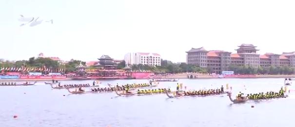 2018海峡两岸龙舟文化节2日上午开幕:两岸53支参赛队伍水中竞速(2)