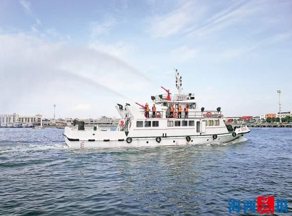 厦门市渔港渔船管理处开展应急演习应对台风季 首次引入应急消防艇