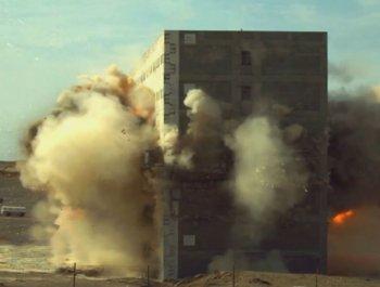 近距离感受东风10导弹出鞘 上演精准炸楼