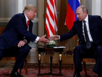 美国总统特朗普与俄罗斯总统普京举行会晤