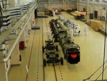 俄罗斯核动力导弹车间曝光 多枚导弹正在制造