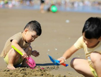 """在长乐象鼻澳海滩""""冲浪""""一夏"""